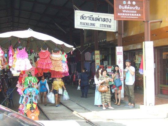 Maeklong Railway Market (Talad Rom Hub): Maeklong Station