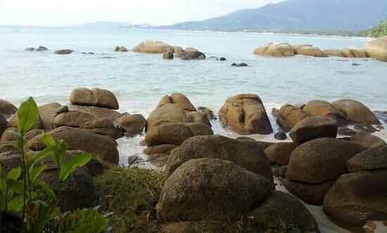 Lamai Bay View Resort: pas de plage. juste des rochers