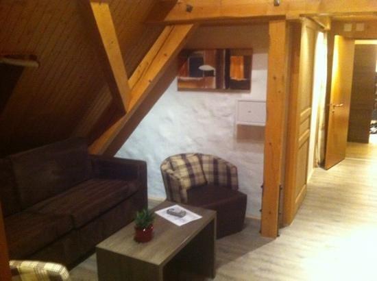 Hotel Solsana: Wohnzimmer in einem 4-Bettzimmer