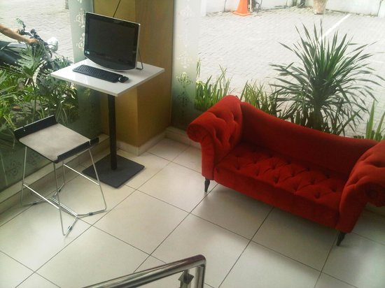 Anaya Home Hotel : only 1 computer with internet