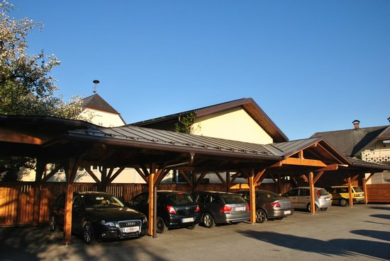 Hotel Sallerhof: Parking