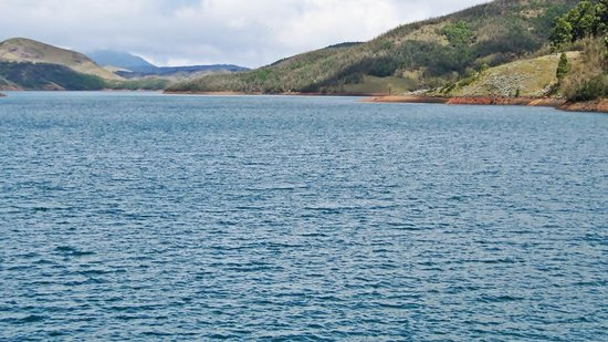 Upper Bhavani Lake: Upper Bhavani Reservoir - The Nilgiris