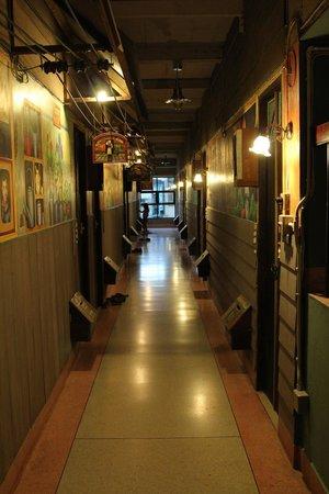 Phranakorn-Nornlen Hotel: hall way to rooms