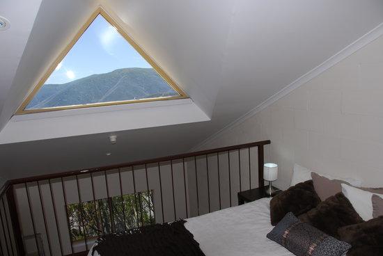 Summit Ridge Alpine Lodge: Mezzanine suite