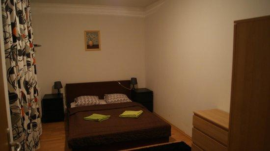 Locust Tree Apartments: chambre double