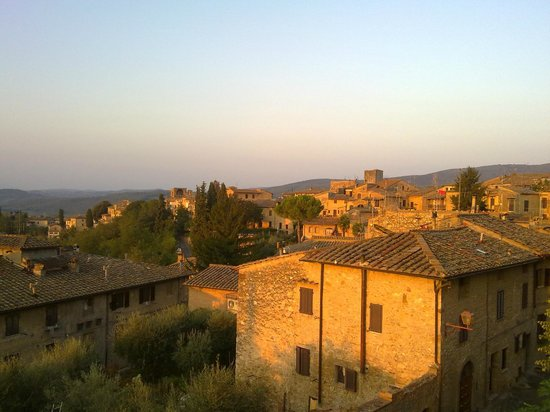 Fabio Apartments San Gimignano: Sunrise over San Gimignano