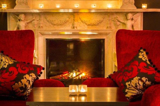 โรงแรมปาร์คอินเตอร์เนชั่นเนล: Piano Bar