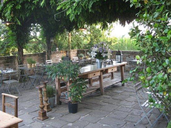 Breda di Piave, İtalya: Gartenrestaurant
