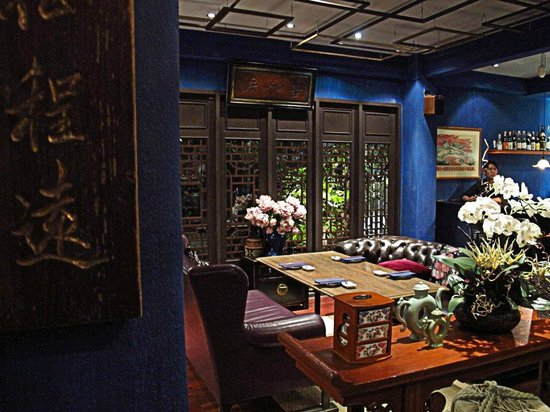 very cosy picture of in the mood for love sushi bar. Black Bedroom Furniture Sets. Home Design Ideas