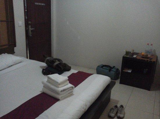 Al-Isha: single room