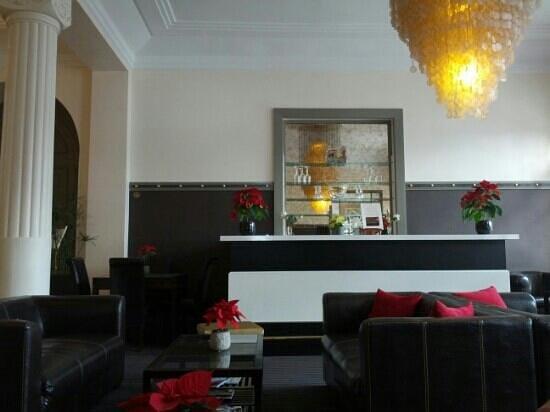 Golf Hôtel : hotel bar 3 of 3