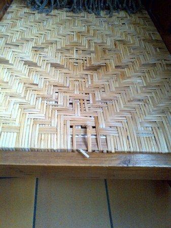Hotel Monet: Gros plan sur une chaise de la chambre