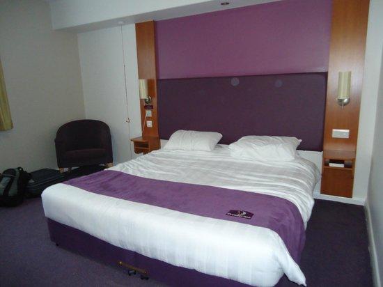 Premier Inn Birmingham Central (Hagley Road) Hotel: Bedroom
