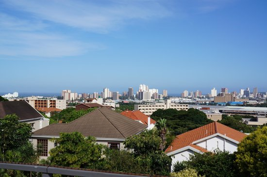 Durban View Guest House: the view from the roofdeck