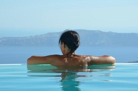 Chromata Hotel: Vue de la piscine