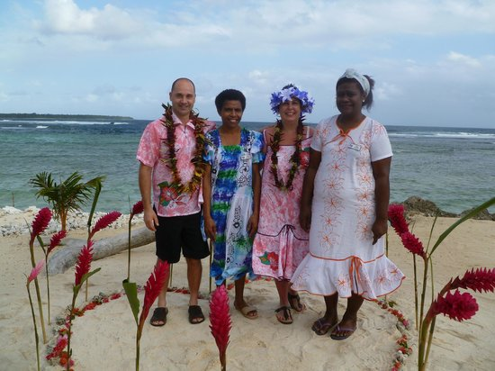Surfside Vanuatu: Some of the wonderful staff at Surfside