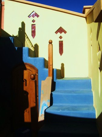 Riad Aicha Marrakech: Steps to rooftop