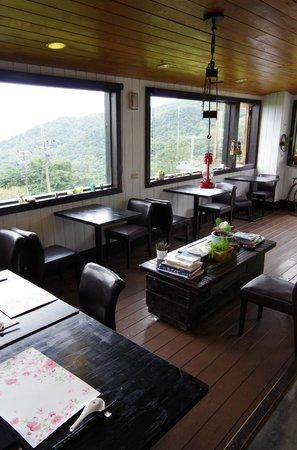 SunRoom: Reception & Breakfast Area