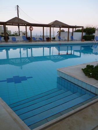 Hara Ilios Hotel: Piscine