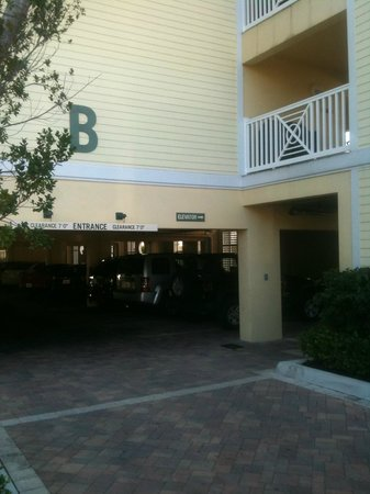 Southernmost Beach Resort: Garage underneath rooms