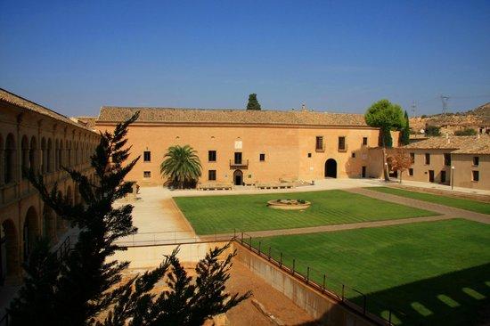 Vistas del hotel desde el monasterio de Rueda