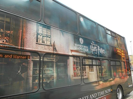 Zaubertränke Klassenzimmer - Picture of The Harry Potter London Tour ...