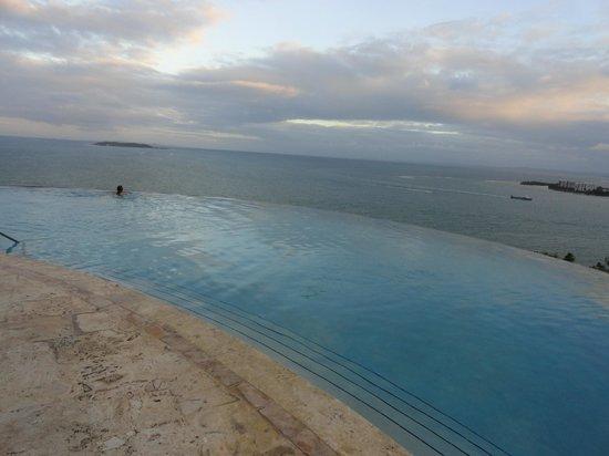 Las Casitas Village, A Waldorf Astoria Resort: Infinity pool at Las Casitas Village