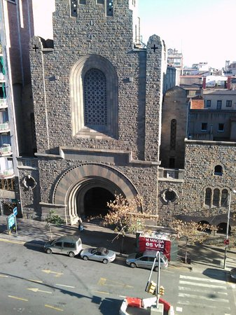 Hotel Via Augusta: Вид из окна