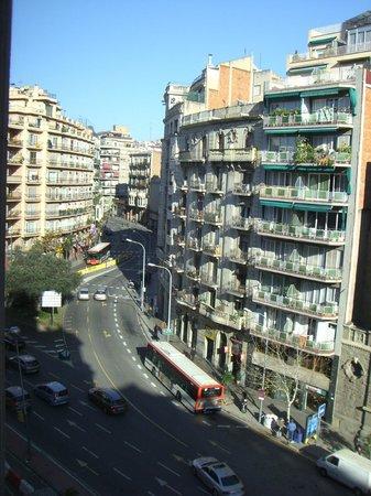 Hotel Via Augusta: Вид на улицу Via Agusta