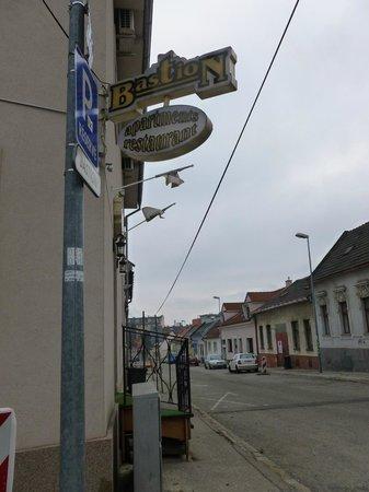 Bastion Apartments:                   Esterno