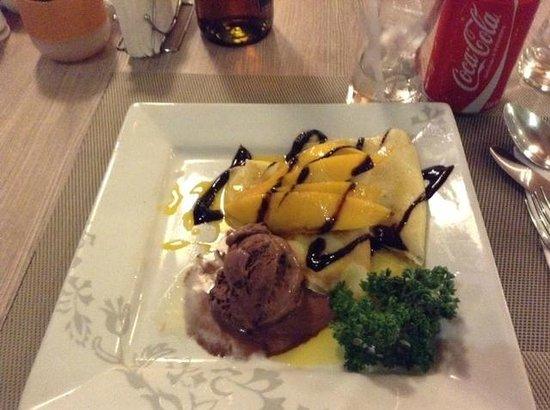 Kimberly Hotel: yummy mango crepe