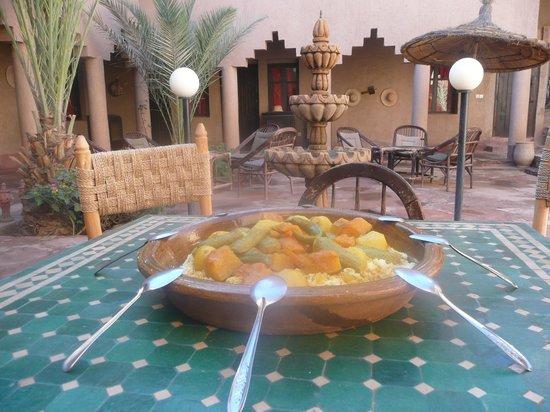 Espace Kasbah Amridil: Bonne appetit.