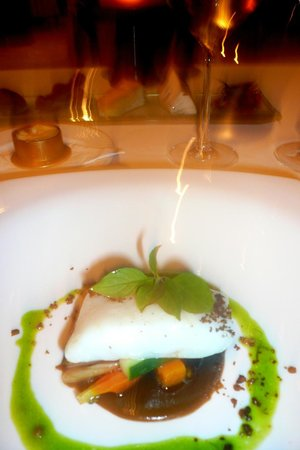 Mozaic Restaurant Gastronomique: Coral trout confied with coconut oil and a balinese kluwek infused black olive sauce