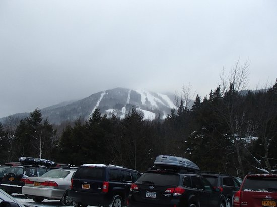 Maple Leaf Inn: Whiteface Mountian 15 Minutes away