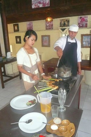 ‪Bumi Bali Cooking School‬
