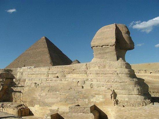 吉萨吉萨金字塔的照片