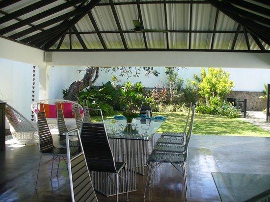 Coco Tangalla: Dining area