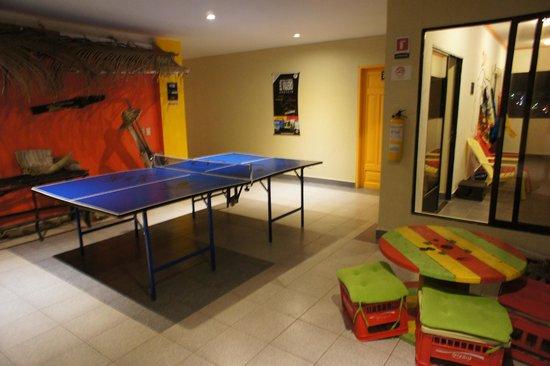 El Viajero San Andres Hostel & Suites: sala de ping pong