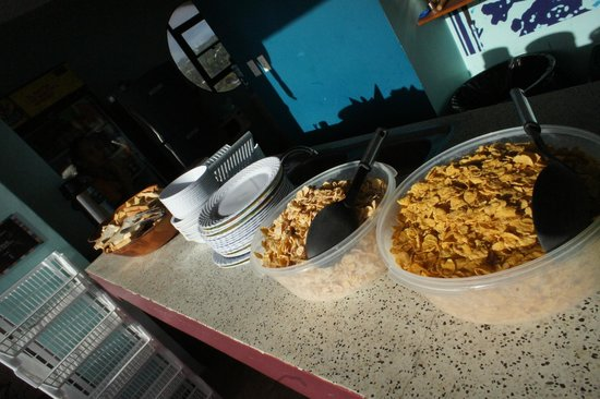 El Viajero San Andres Hostel & Suites: cafe da manha