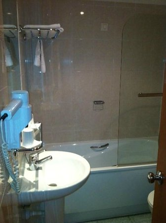 Holiday Inn Algarve: Bathroom
