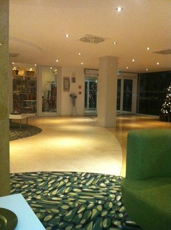 Holiday Inn Algarve - Armacao de Pera: Reception Foyer