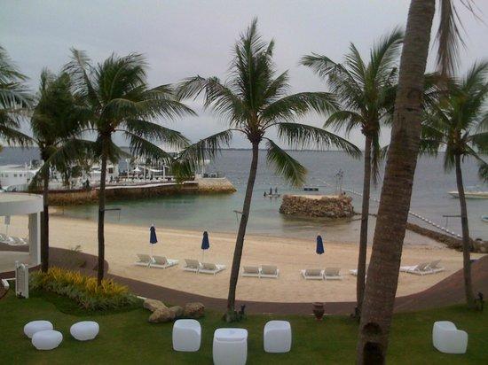 Movenpick Hotel Mactan Island Cebu: beach front