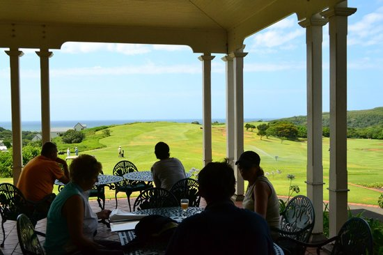 The Lodge at Prince's Grant: Eating lunch on the verandah