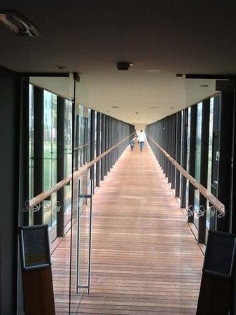 Hotel Balnea Superior: corridoio che unisce l'hotel alle piscine