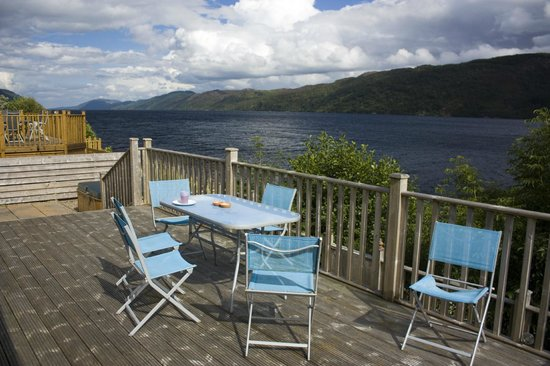 Loch Ness Highland Lodges: Decking