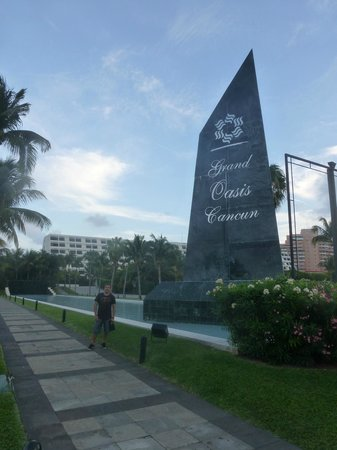 Grand Oasis Cancun: Ingreso hotel 2