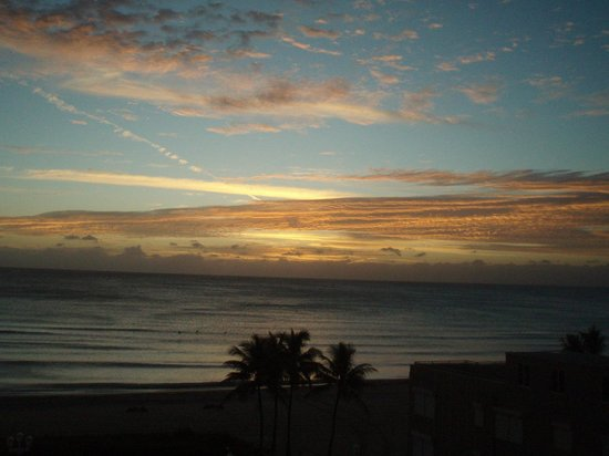 Hollywood Beach Tower: Sunrise