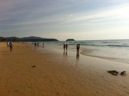Baan Suay Resort Karon Beach: пляж карон