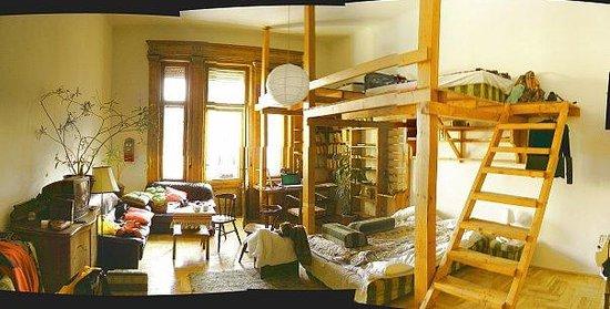 Pal's Hostel & Apartments: двухъярусная комната