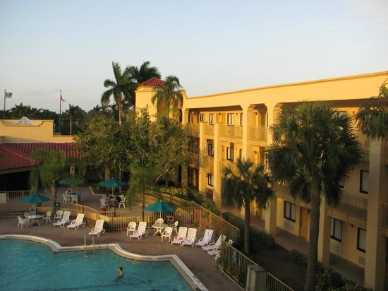La Quinta Inn & Suites Ft. Myers - Sanibel Gateway: Rooms